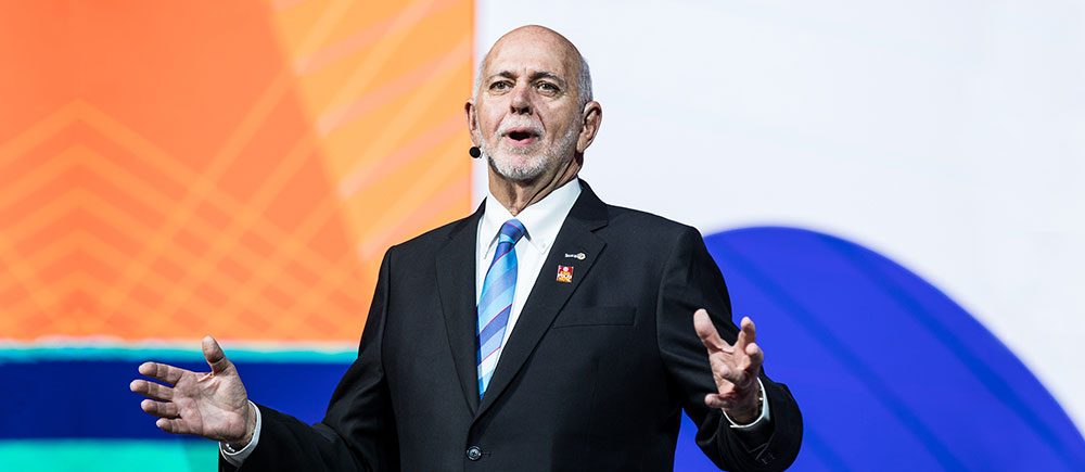 Barry Rassin speaks to the 2018 RI Convention
